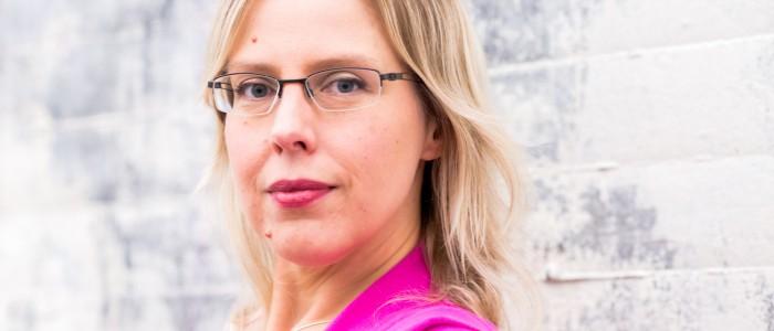 Anna Hass - språkkonsult, utbildare, moderator, skribent - Expressiva - 08-549 00 555